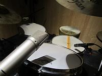 Pictures Of Mic'ed Up Drum Kits In The Studio-tom.jpg