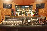 Pictures Of Mic'ed Up Drum Kits In The Studio-6fdc8eb3-6d66-48fe-952f-224a5e6a9672.jpg