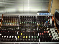 Mixing console : between 00 and 00-c4.jpg