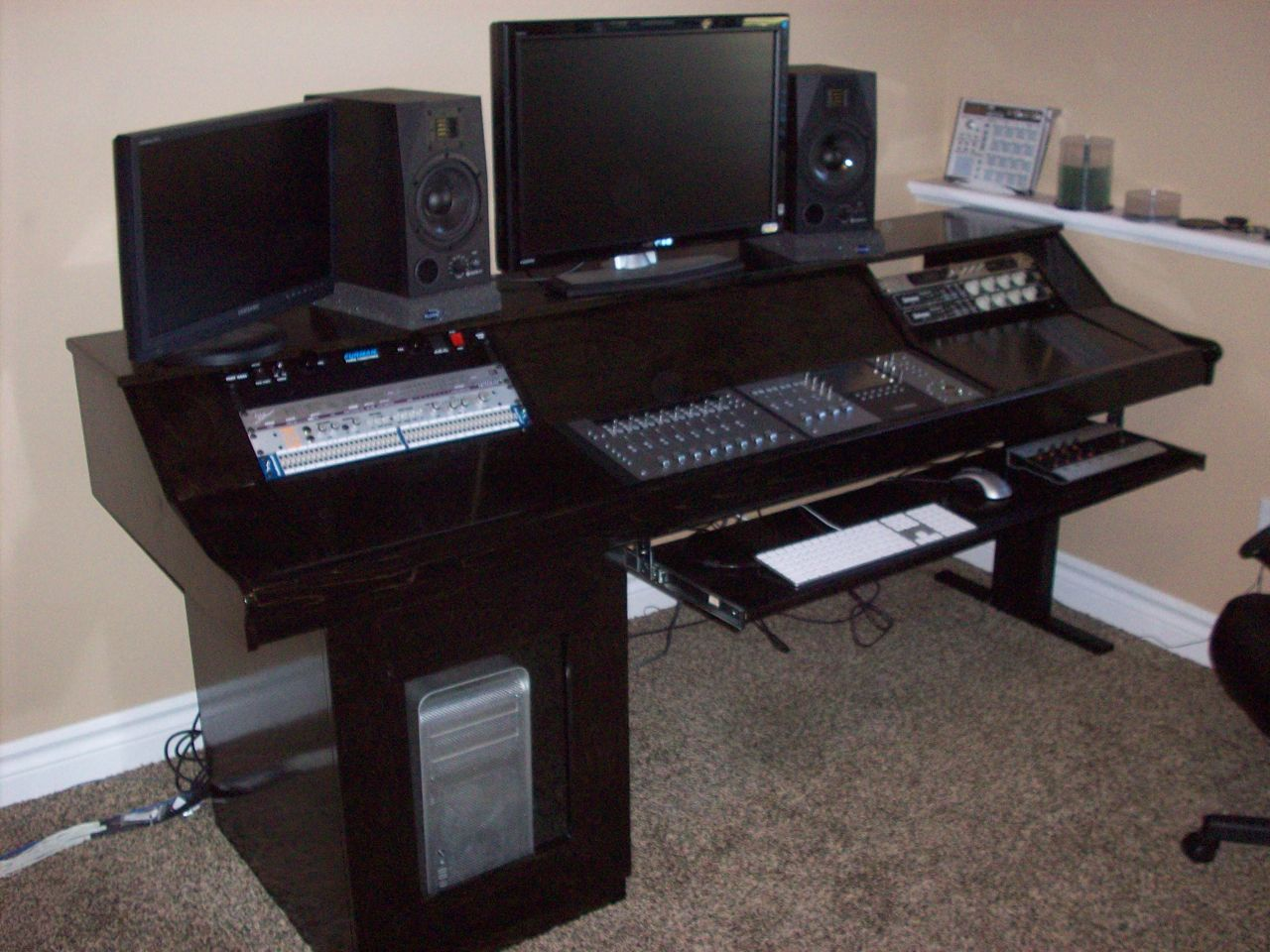 Studio furniture / workstations and mix positions... pictures ...