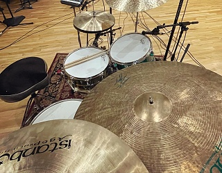 Pictures Of Mic'ed Up Drum Kits In The Studio-b689906c-1c95-4637-8f72-3eb5d808b25d.jpg