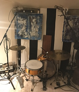 Pictures Of Mic'ed Up Drum Kits In The Studio-a3c806d1-0228-47f3-8212-bd1111883df6.jpg