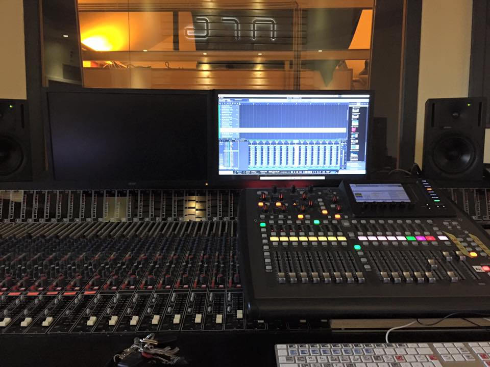 Mackie Dl1608 Vs Behringer Xr18 Vs Presonus Studiolive 16