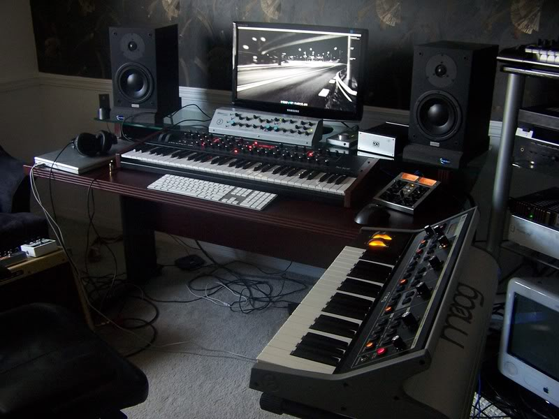 LOWCOST 50 DIY Studio Desk Desk DesignGearslutz Pro Audio