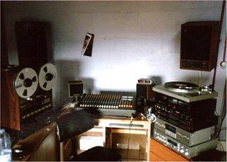 "World's coolest ""basement studio"" contest-old02.jpg"