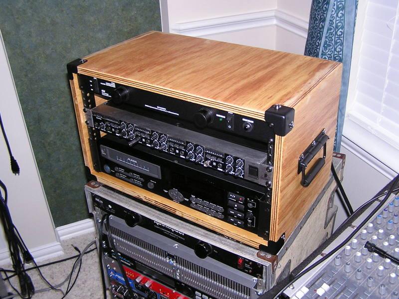 rackwork014.jpg PICs of your homemade station desk!!-rackwork015.jpg