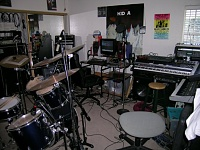 Show me your low end room-lab.jpg