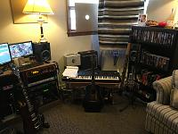 Show me your low end room-img_1073-1-.jpg