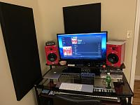 Show me your low end room-799e8783-60a7-4a74-bd67-c016adc2c8f4.jpg