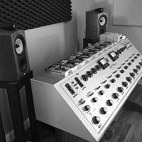 "Why is it that most mastering studios do NOT use ""studio monitors""?-2e07999d-89c5-452c-8e2a-d589d49ff677.jpeg"
