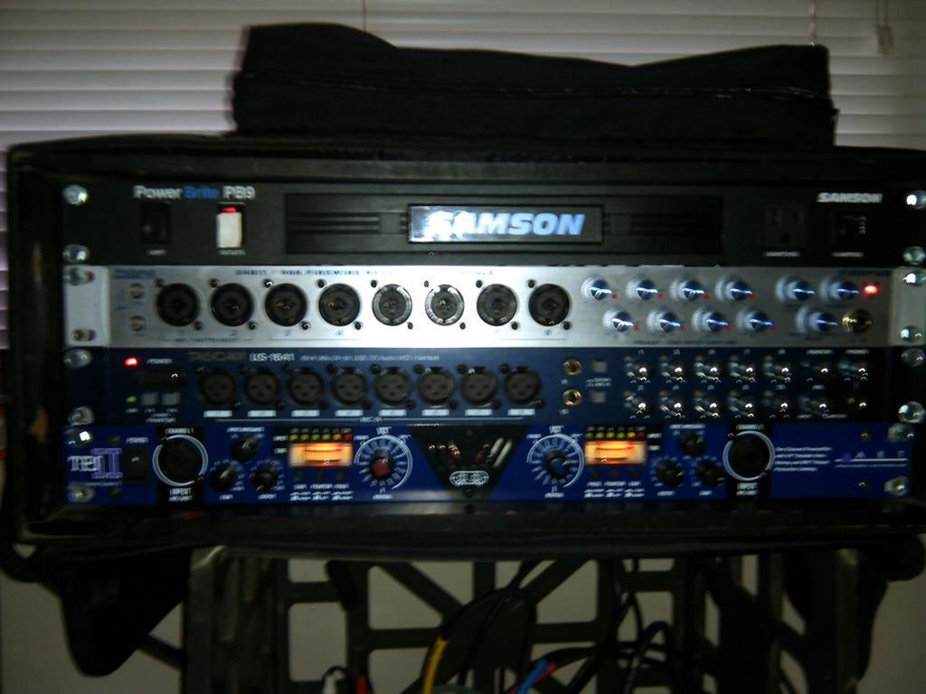 post pictures of your portable recording equipment page 40 gearslutz pro audio community. Black Bedroom Furniture Sets. Home Design Ideas