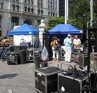 """Remoteness and The Bread Mobile"" during J&R's 2007 MusicFest-j-r2007iii.jpg"