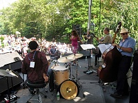 """Remoteness and The Bread Mobile"" during J&R's 2007 MusicFest-j-rcoxi.jpg"