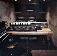 What Truck Recorded Rolling Thunder Revue?-03-mobile-unit-interior-fedco-audio-remote-truck.jpg