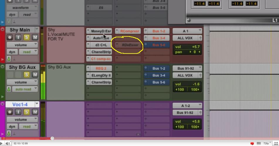 can someone explain about protools blue colored pink text plugins