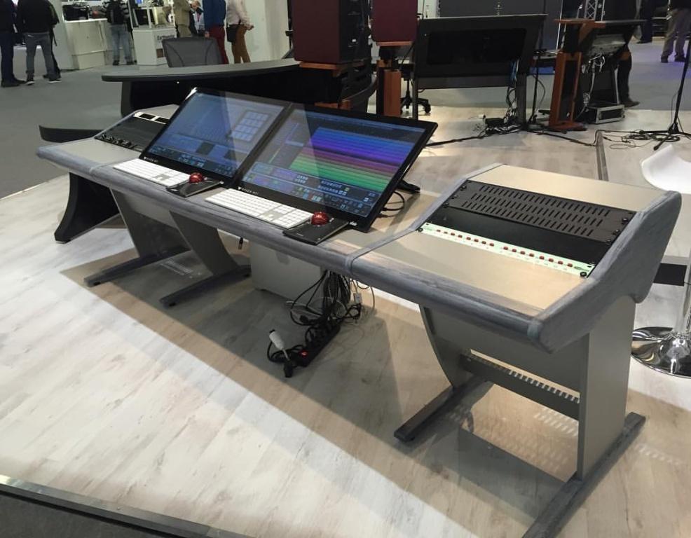 ... Studio Furniture   Raven MTi2, Mac Board Air And Small  Keyboard Image