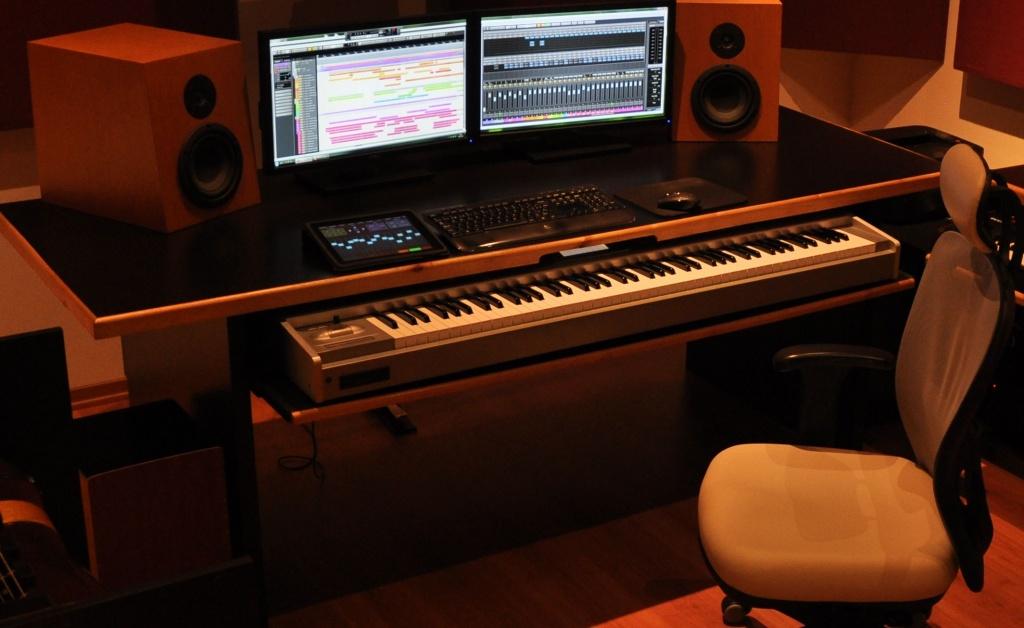 piano keyboard desk hostgarcia. Black Bedroom Furniture Sets. Home Design Ideas