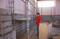 New rooms in Portugal-ze-luis-leveling-scaffolds.jpg