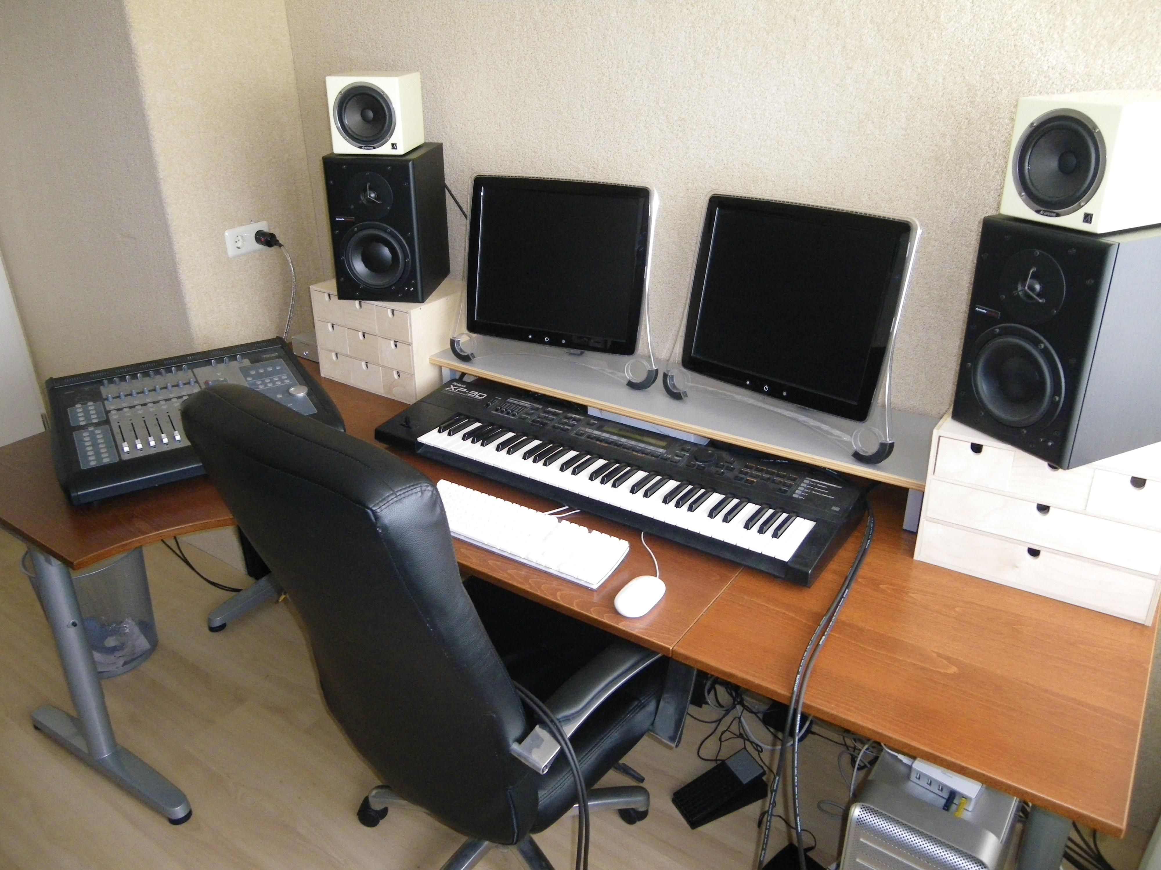 Dutch Home Studio Refurbish Studio Table Jpg