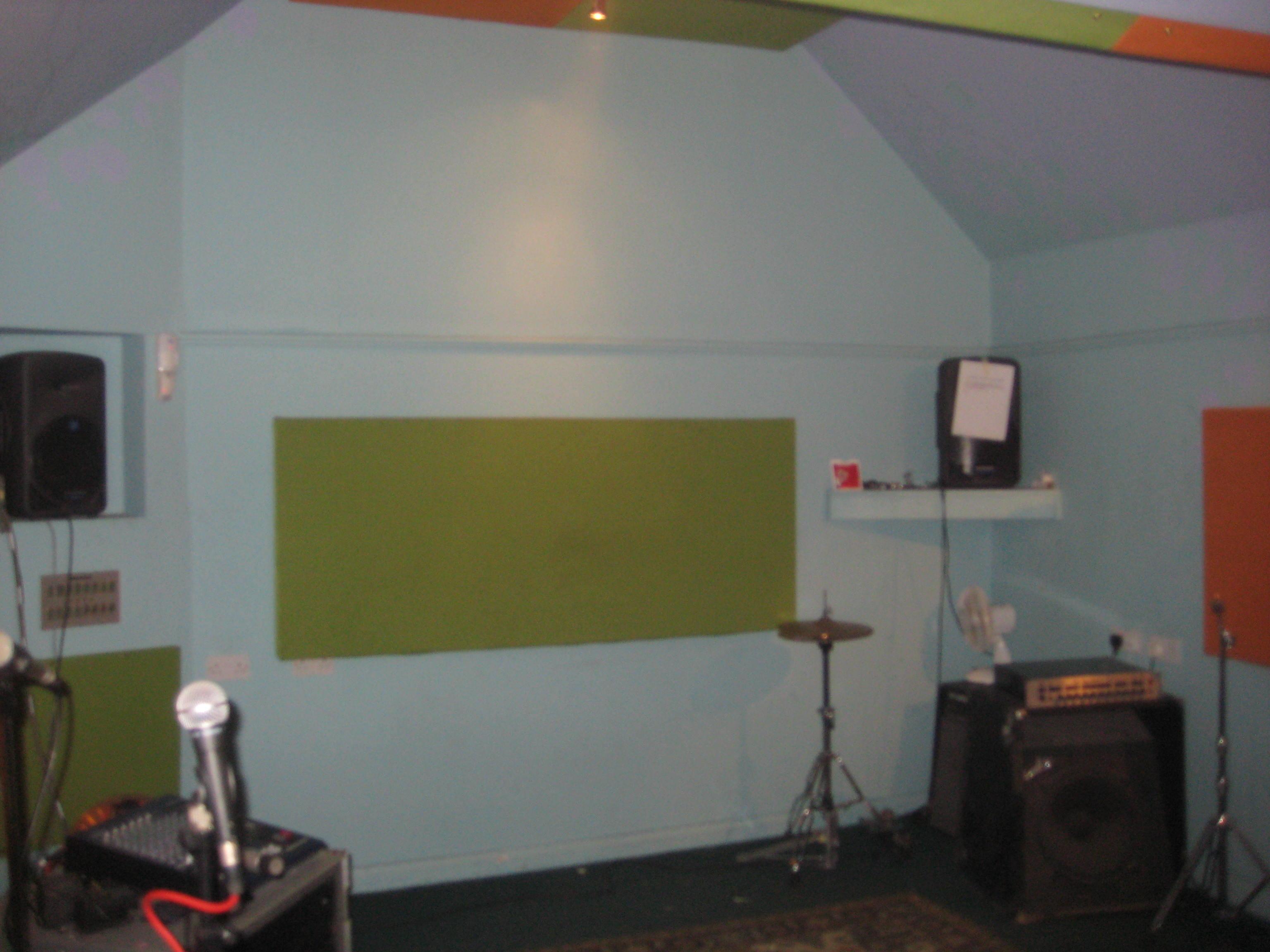 Help me decorate my studio gearslutz pro audio community for Help me decorate my room