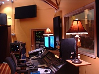Here she is in all her glory....new studio, ain't she purty?-trapsgeardoor-s.jpg