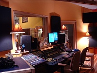 Here she is in all her glory....new studio, ain't she purty?-trapsiso-s.jpg