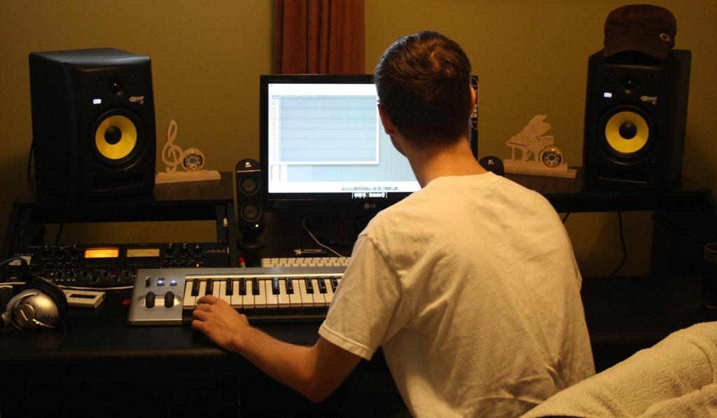 Building My Desk For My Home Studio - Gearslutz.com