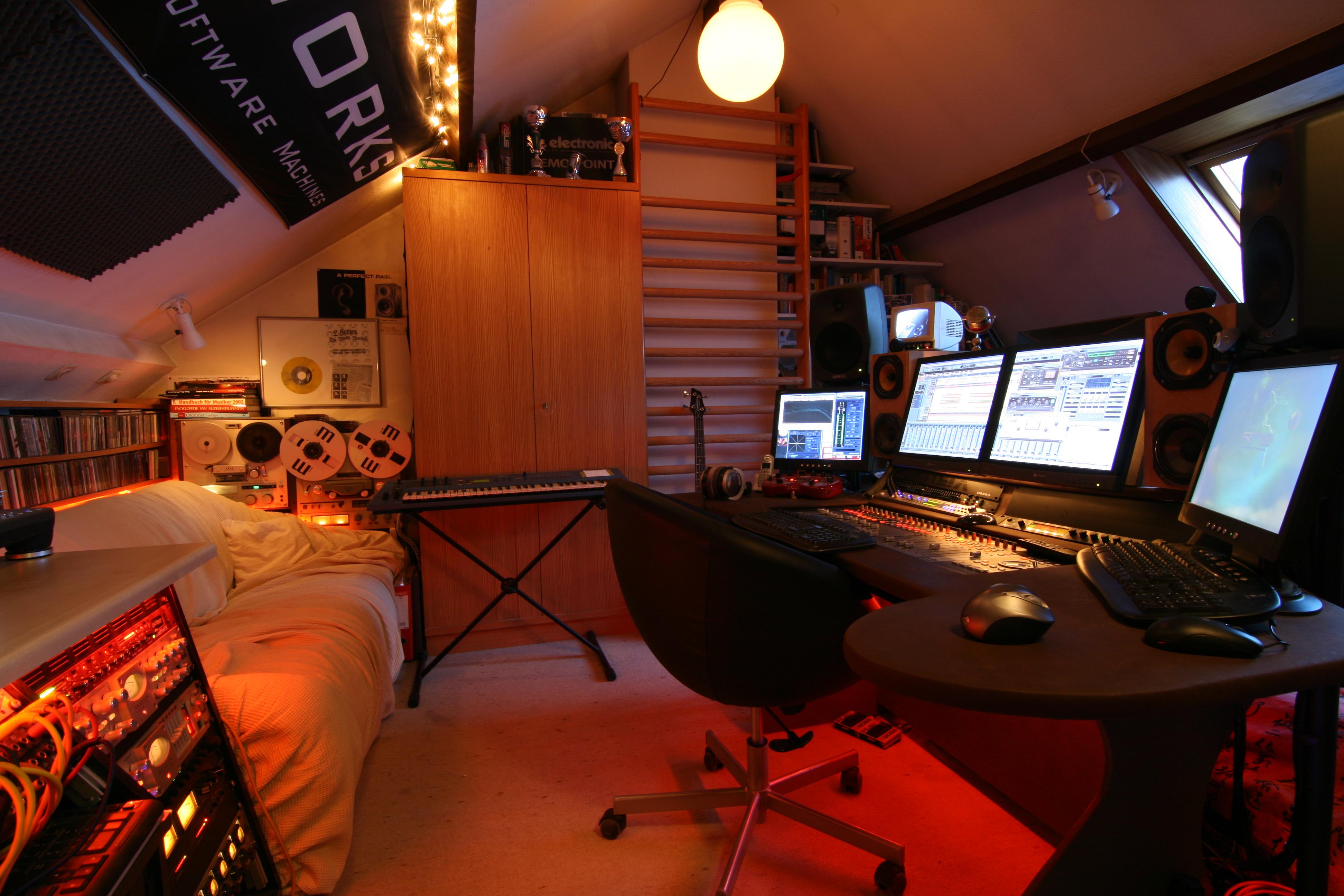 studio +loft project: RecordOffice-overview-r.jpg