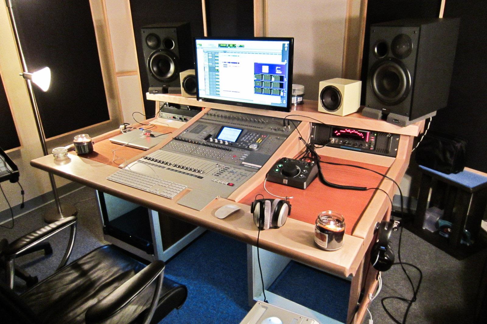 mixer desk for tascam dm 3200 self made. Black Bedroom Furniture Sets. Home Design Ideas