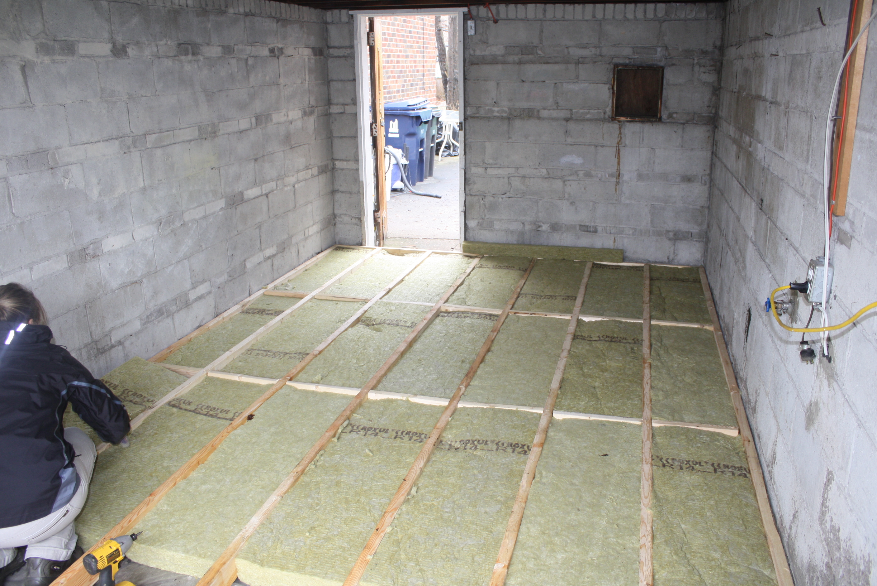 how much does it cost to convert a garage into a bedroom cost to