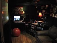 Cajonezzz builds a Voc/drum/amp booth.-img_0292.jpg