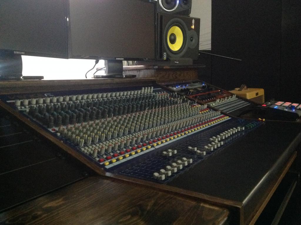 new custom desk design and build for midas f32 img_0208jpg - Custom Desk Design