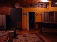 Here she is in all her glory....new studio, ain't she purty?-live-2.jpg