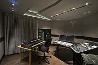 Hyperreal Overkill – Studio Construction-studio_drapes_03.jpg