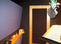 How do you like your VO booth; dead or semi-live-booth_02_smaller.jpg