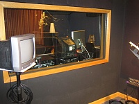 How do you like your VO booth; dead or semi-live-booth_04_smaller.jpg