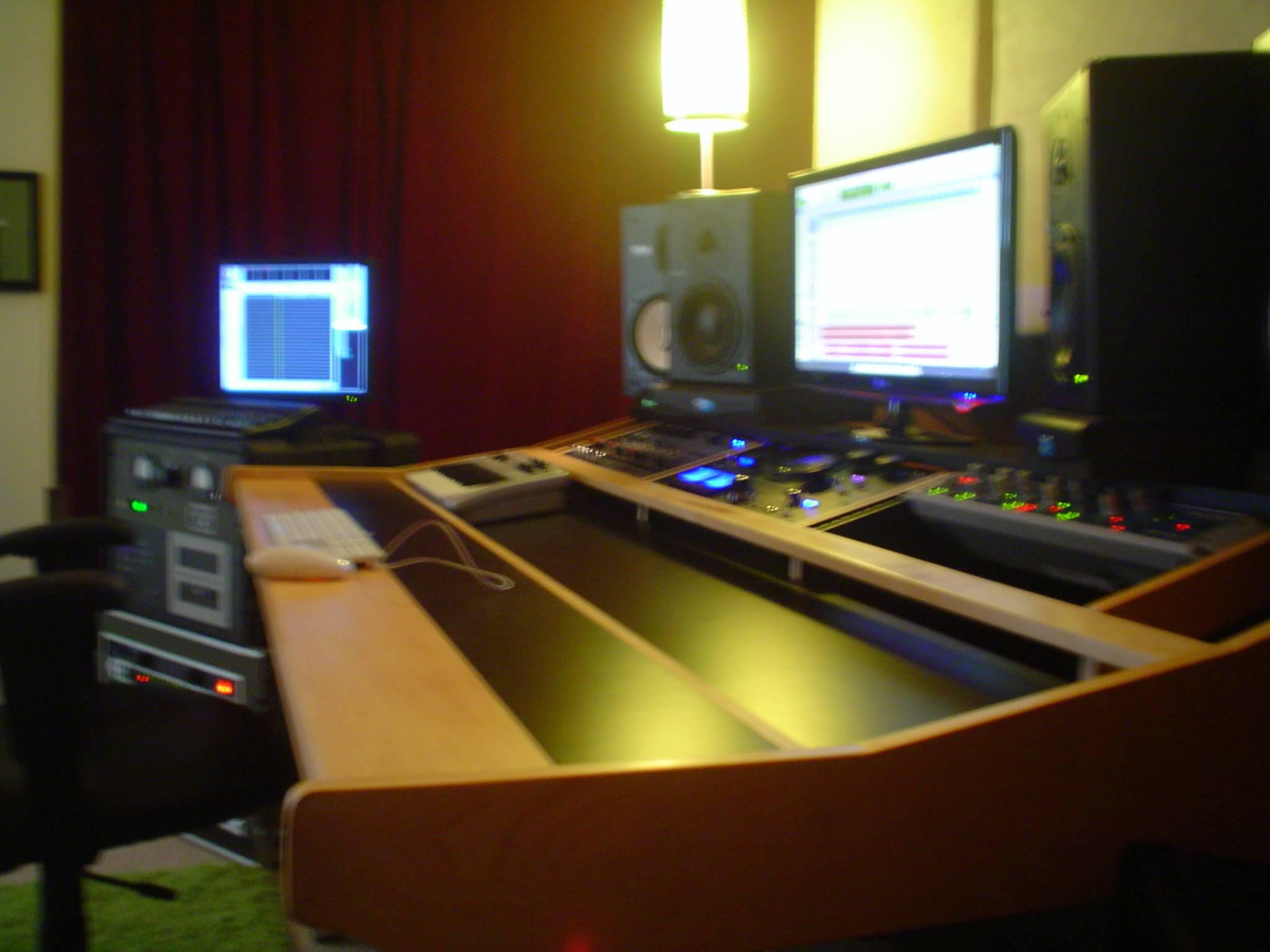 Studio Trends 46 Desk Cherry Cherry Hostgarcia