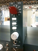 Vintech 500 series pre with D.I.-573-aluminum-knob-1.jpg