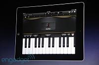 "GarageBand for iPad Live Coverage-Steve ""Anyone can make music now""-20110302-10514132-img4676.jpg"