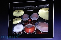 "GarageBand for iPad Live Coverage-Steve ""Anyone can make music now""-20110302-10561508-img4689.jpg"