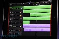"GarageBand for iPad Live Coverage-Steve ""Anyone can make music now""-20110302-11011914-img4709.jpg"