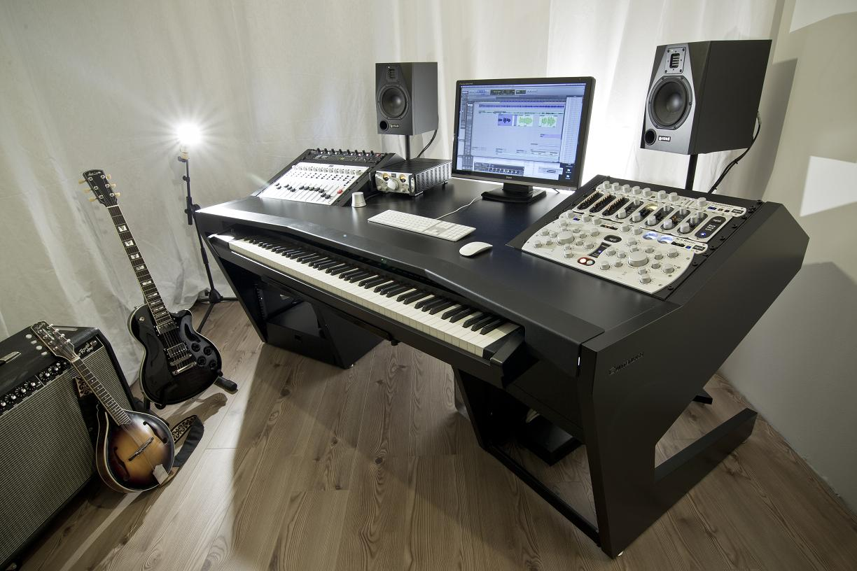 Steven Slate Debuts The Raven X1 Production Console Page