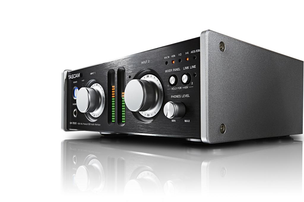 388997d1394725617-messe-2014-tascam-uh-7000-high-end-usb-audio-interface-uh-7000_right.jpg