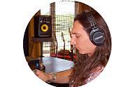 "CEntrance Ships ""Cerene dB"" Headphones-inspiration-features-cerene-db-studio.jpg"