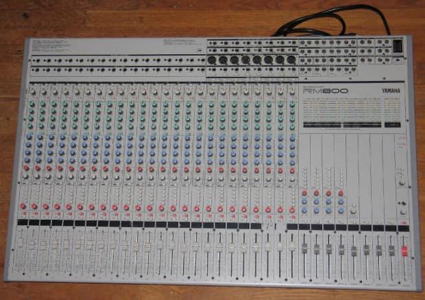 yamaha RM800 24:8:2 studio mixer