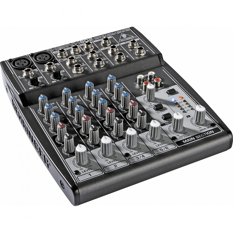 Behringer Xenyx 802 small mixer