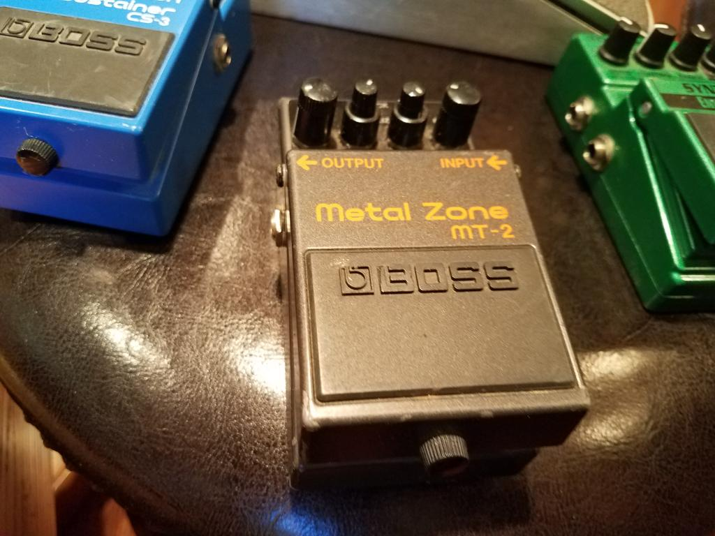 MT-2 Metal Zone Distortion Pedal