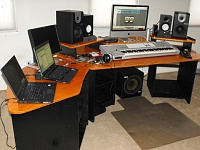Designing a production based studio desk..Help? Examples?-dscf0108.jpg