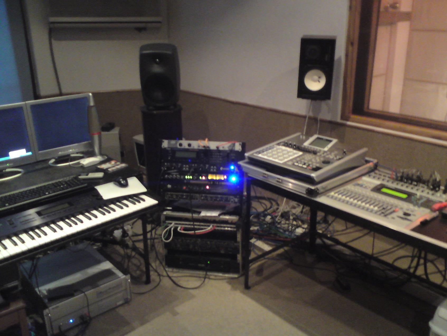 Show Us Your Studio Home Setup 2010 Page 3 Gearslutz Live Recording Dsc03594