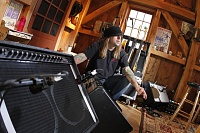 Live From Daryl's House-joe-amps.jpg